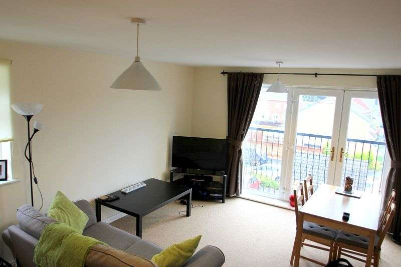 2 Bedrooms Flat for sale in Wyncliffe Gardens, Cardiff. CF23 7FA