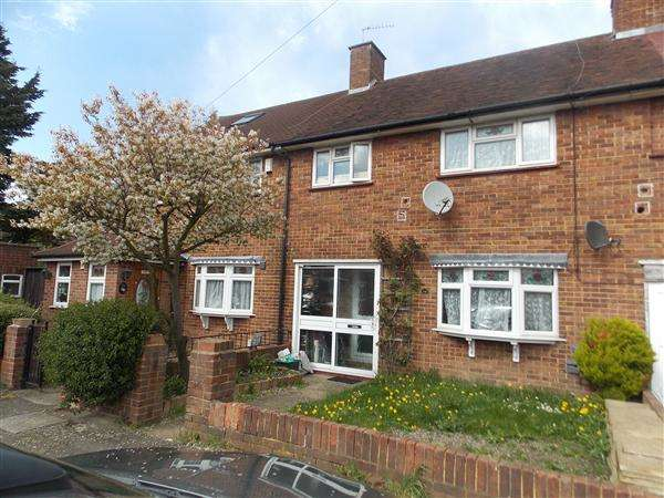 3 Bedrooms Terraced House for sale in Bedfont Close, Bedfont