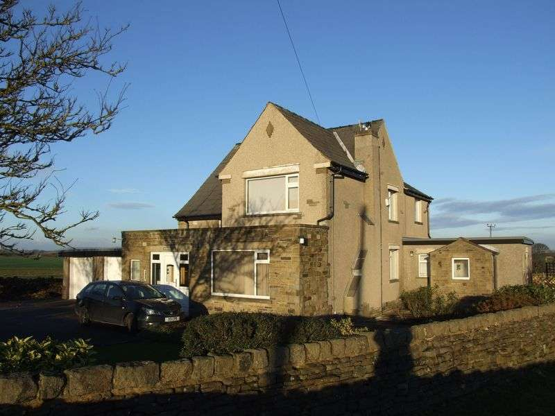 5 Bedrooms Detached House for sale in Keighley Road, Denholme