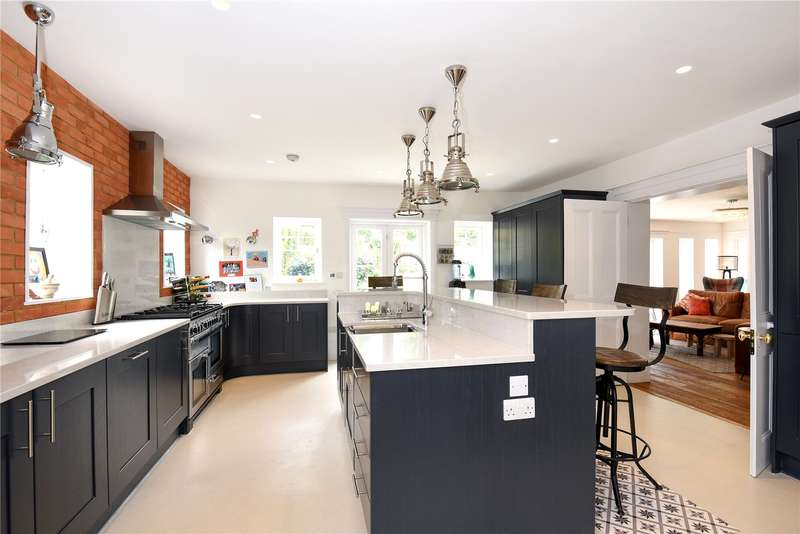 4 Bedrooms House for sale in Lower Road, Chorleywood, Hertfordshire, WD3