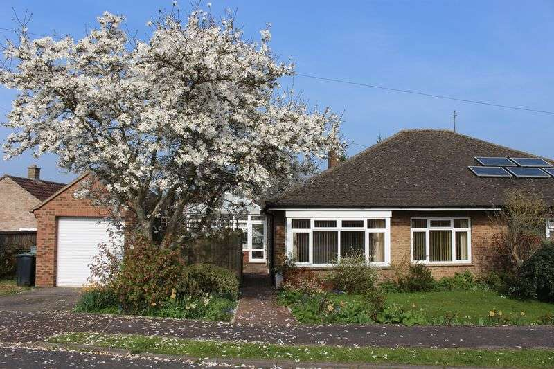 2 Bedrooms Semi Detached Bungalow for sale in Horsebrook Park, Calne