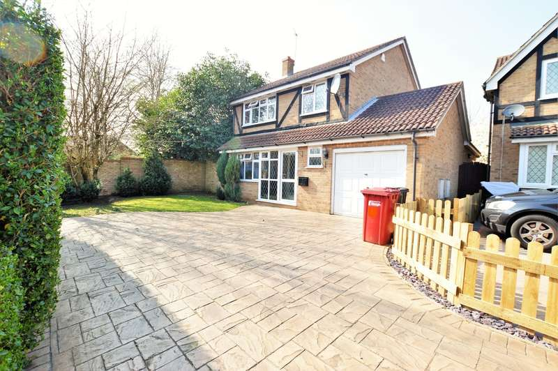 4 Bedrooms Detached House for sale in Portland Close, Burnham