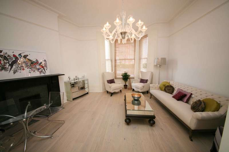 2 Bedrooms Flat for sale in Warwick Avenue, London, London, W9