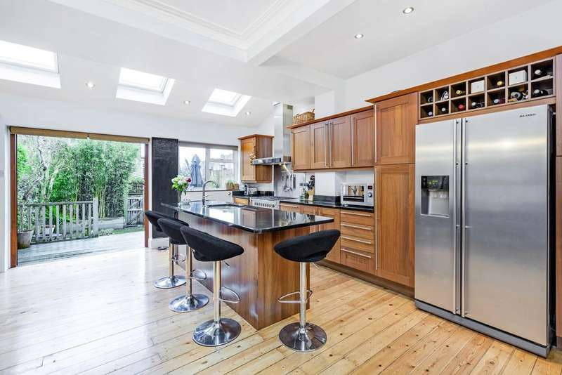 4 Bedrooms Terraced House for sale in Melrose Avenue, SW19
