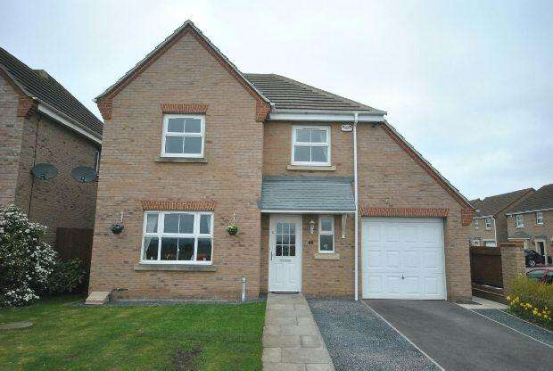 4 Bedrooms Detached House for sale in Paynter Walk, Scartho Top, GRIMSBY