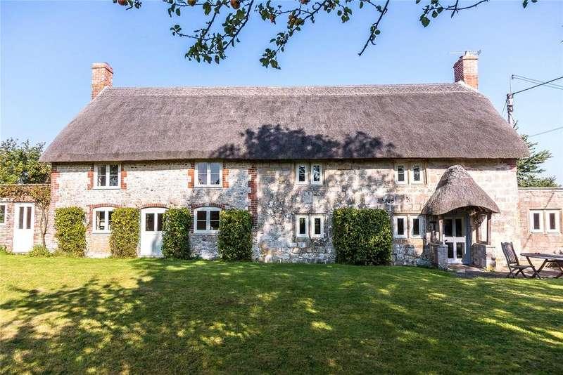 4 Bedrooms Detached House for sale in Corton, Warminster, Wiltshire, BA12