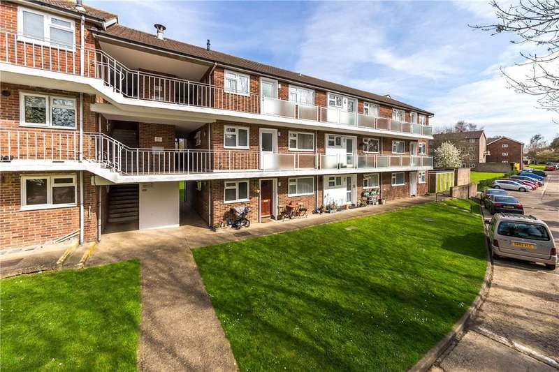 2 Bedrooms Flat for sale in The Ridgeway, St. Albans, Hertfordshire
