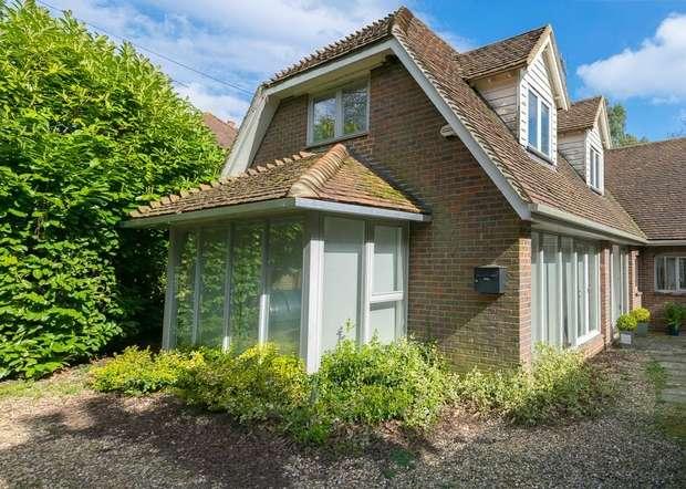 4 Bedrooms Detached House for sale in Bottom Pond Road, Wormshill, SITTINGBOURNE, Kent
