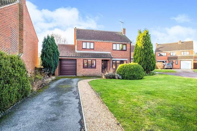 4 Bedrooms Detached House for sale in Croft Farm Close, Everton, Doncaster, DN10