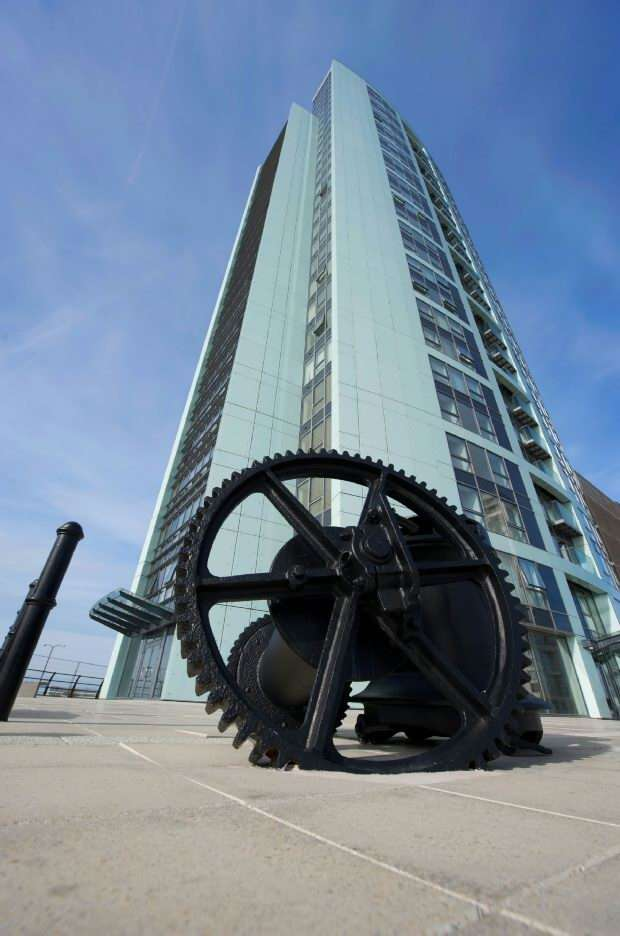 2 Bedrooms Apartment Flat for sale in Alexandra Tower, 19 Princes Parade, Liverpool