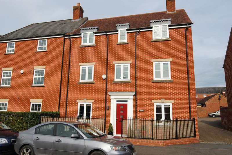4 Bedrooms Town House for sale in Shears Drive, Amesbury SP4