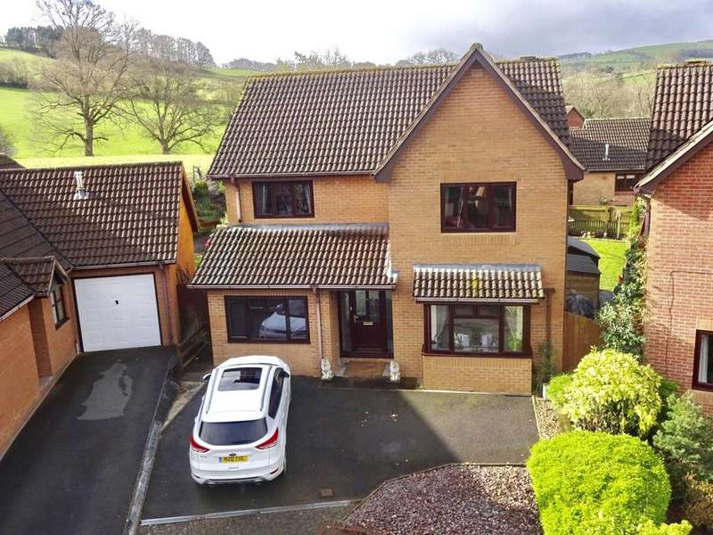 4 Bedrooms Detached House for sale in Tai-Ar-Y-Bryn, Builth Wells, Powys