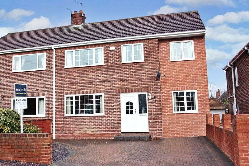 4 Bedrooms Semi Detached House for sale in Mill Hill Avenue, Pontefract