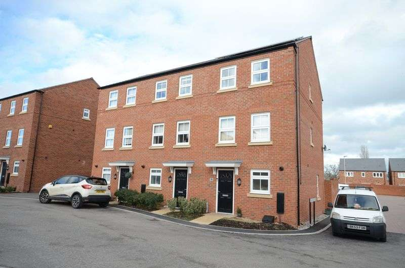 4 Bedrooms Terraced House for sale in Arnhem Way, Saighton, Chester