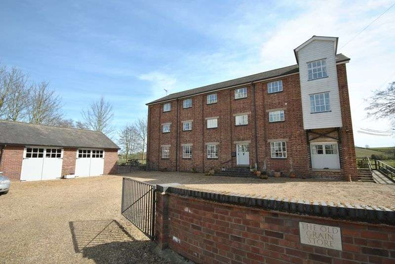 8 Bedrooms Detached House for sale in Wainford Road, Bungay
