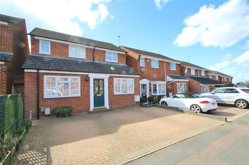 4 Bedrooms Detached House for sale in Ashgrove, Steeple Claydon