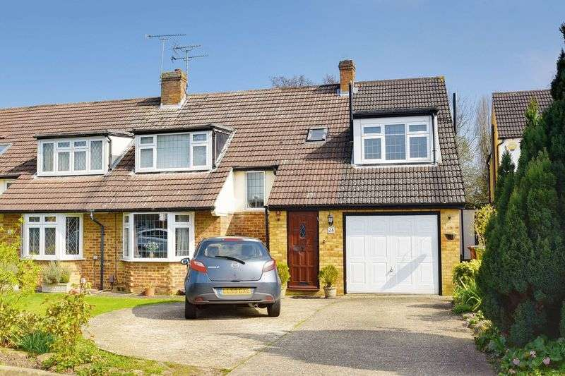 4 Bedrooms Semi Detached House for sale in Park Crescent, Borehamwood