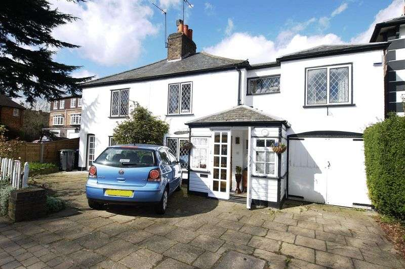 3 Bedrooms Detached House for sale in Winchmore Hill Road, Winchmore Hill