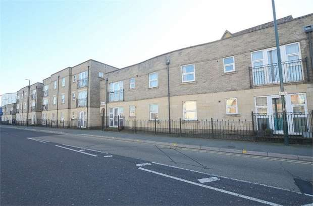 2 Bedrooms Flat for sale in Terrace Road, Bournemouth, Dorset