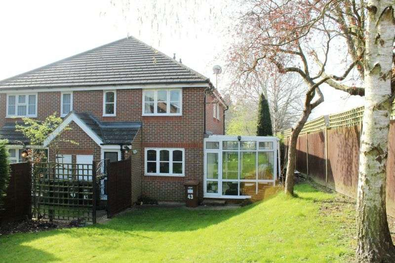 1 Bedroom Terraced House for sale in Manor Way, Croxley Green, Rickmansworth, Hertfordshire, WD3