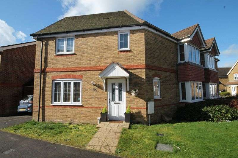 3 Bedrooms Semi Detached House for sale in Chestnut Drive, Hassocks, West Sussex,
