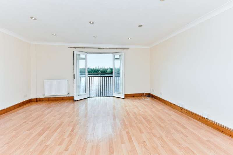 2 Bedrooms Flat for sale in Amhurst Walk, London SE28