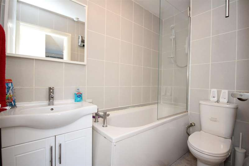 1 Bedroom Flat for sale in 27-29 Craven Park