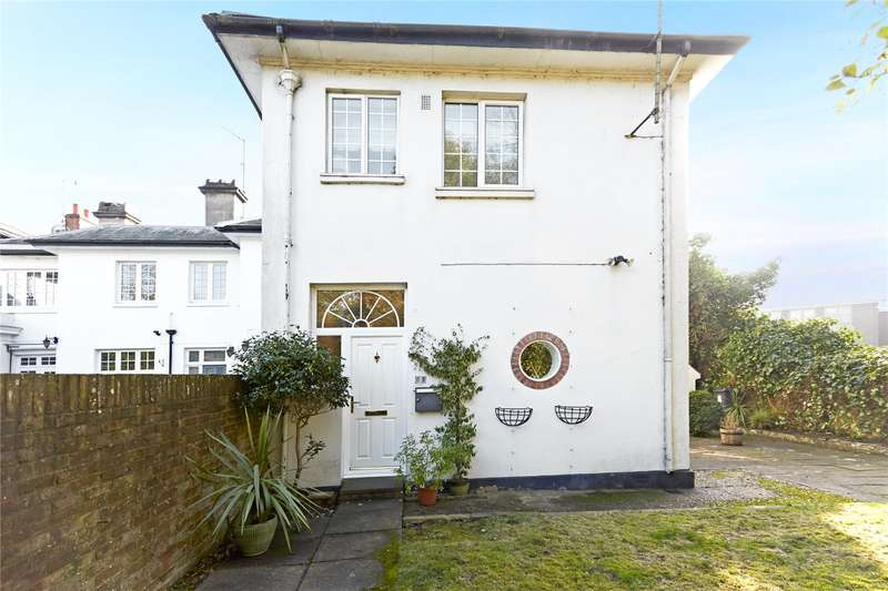 3 Bedrooms Terraced House for sale in Pixholme Court, Pixham Lane, Dorking, Surrey, RH4