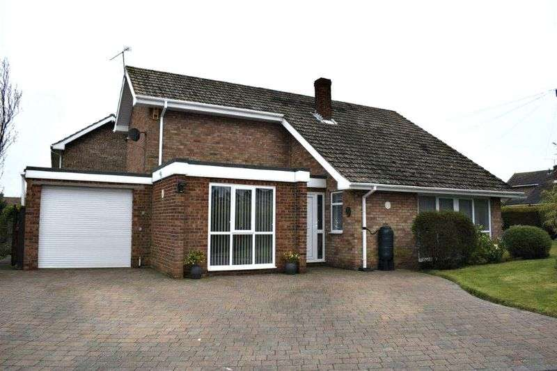 4 Bedrooms Detached House for sale in Warwick Drive, Barton-Upon-Humber