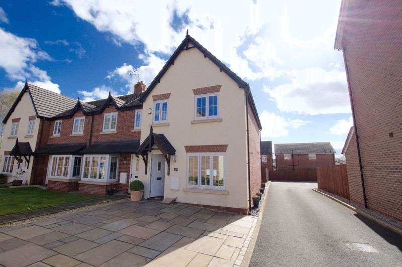 3 Bedrooms Terraced House for sale in Hardwick Drive, Wrexham