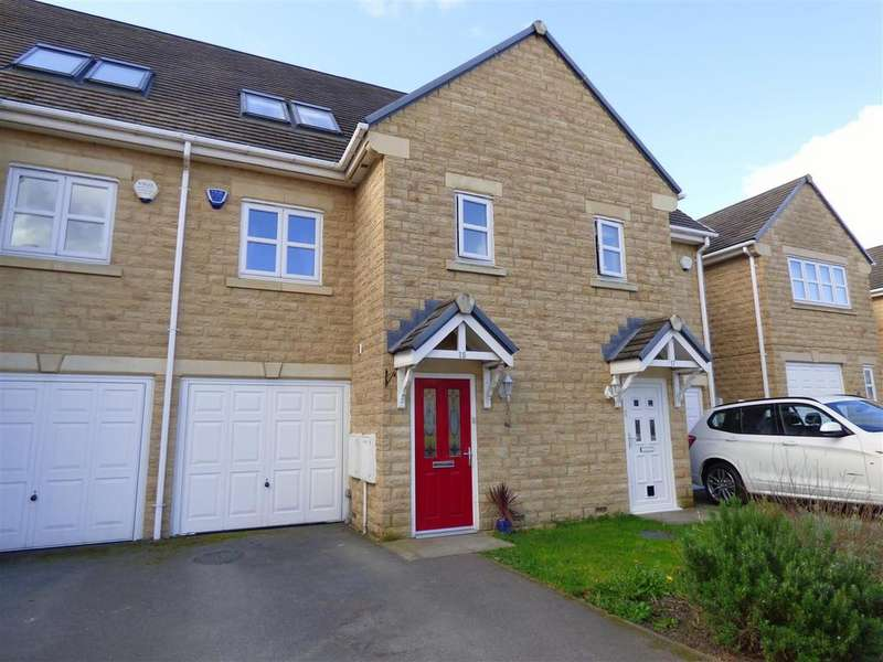 3 Bedrooms Town House for sale in Frogmoor Avenue, Bradford