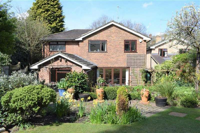 4 Bedrooms Detached House for sale in Kiln Lane, Farnham, Surrey