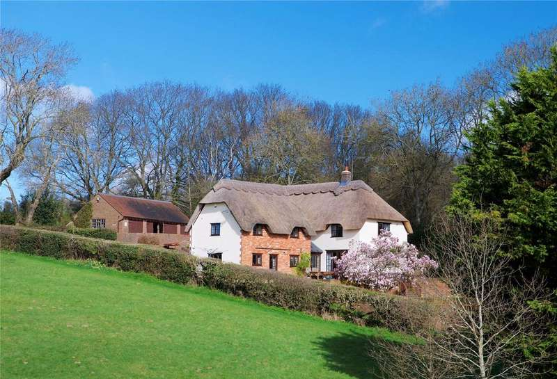 6 Bedrooms Detached House for sale in Lytchett Matravers, Dorset
