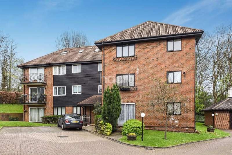 2 Bedrooms Flat for sale in Hope House, Steep Hill, Croydon, CR0