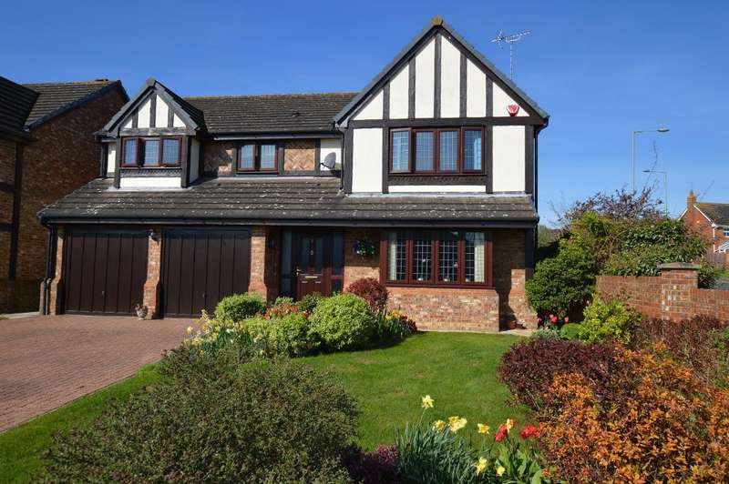 4 Bedrooms Detached House for sale in Holford Way, Luton, LU3 4EB