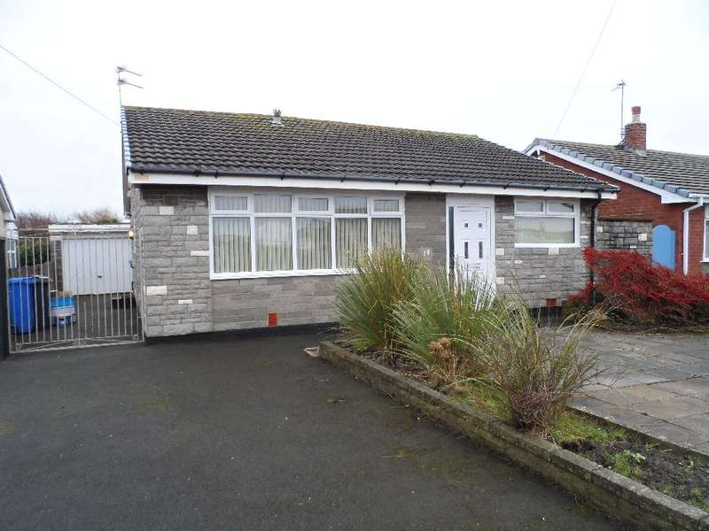 3 Bedrooms Bungalow for sale in Duddon Avenue, Fleetwood, FY7 8LY