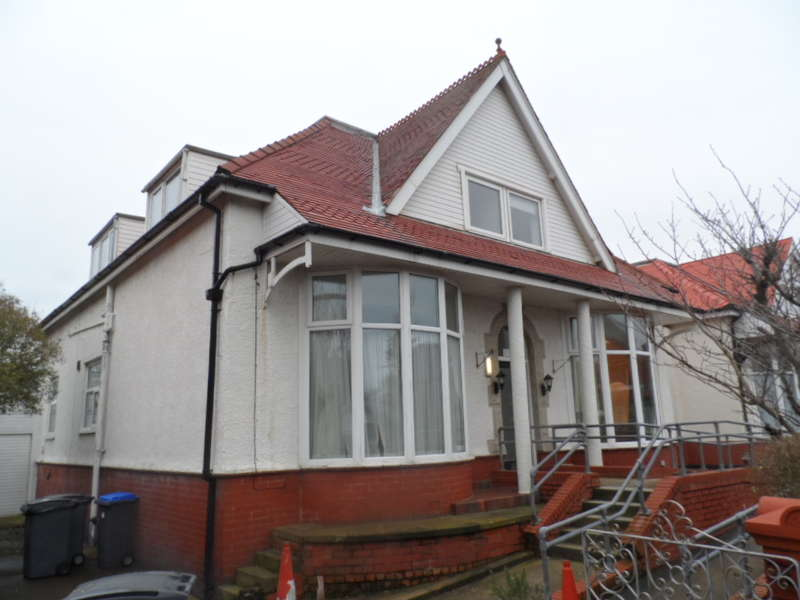 5 Bedrooms Detached Bungalow for sale in Fourth Avenue, Blackpool, FY4 2ET