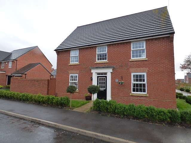 4 Bedrooms Detached House for sale in Pasadena Avenue, Great Sankey, Warrington