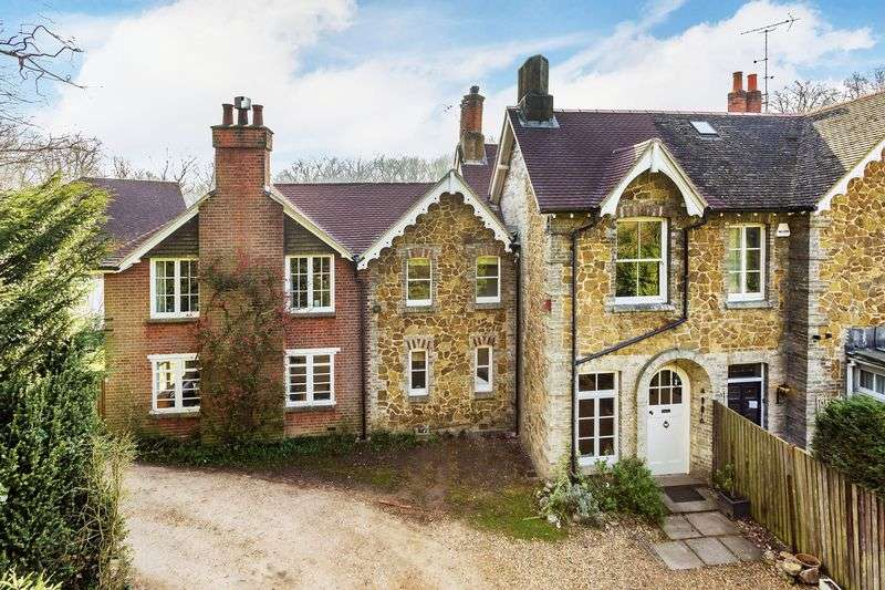 5 Bedrooms House for sale in Surrey, GU3