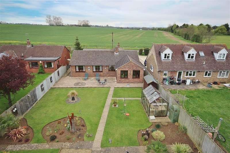 3 Bedrooms Detached Bungalow for sale in Sunningwell Road, Sunningwell, Abingdon, OX13
