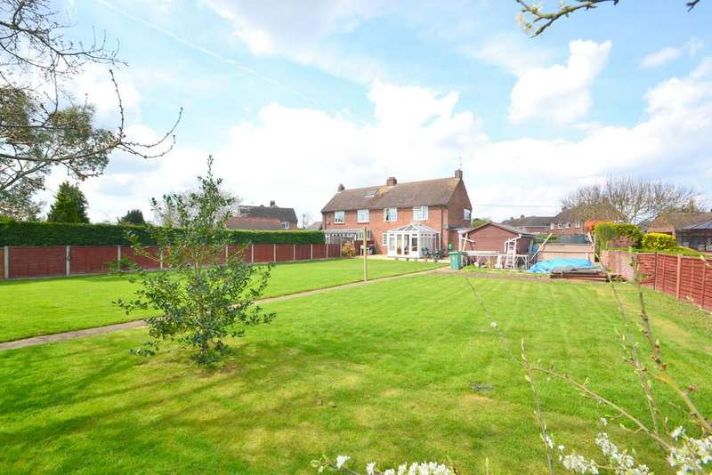 4 Bedrooms Semi Detached House for sale in Ravens Crescent, Felsted