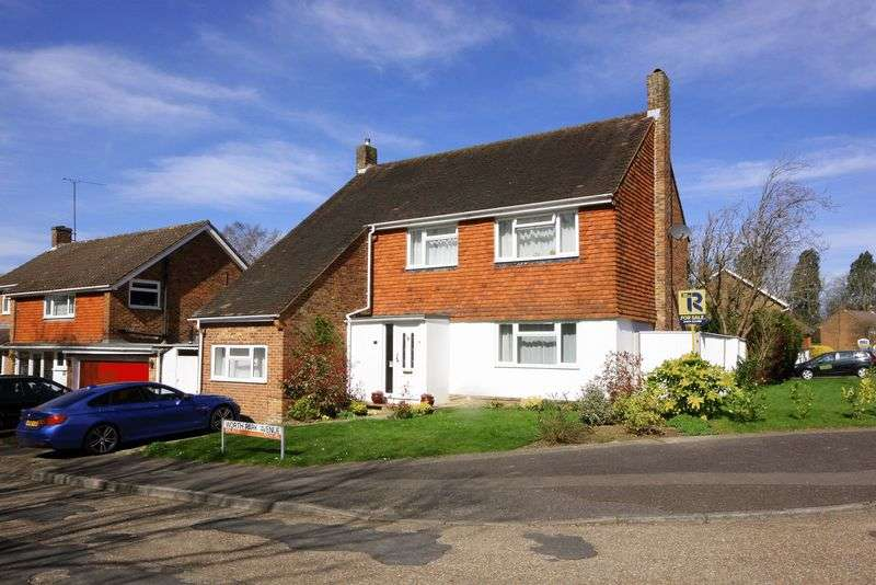 4 Bedrooms Detached House for sale in Pound Hill, Crawley