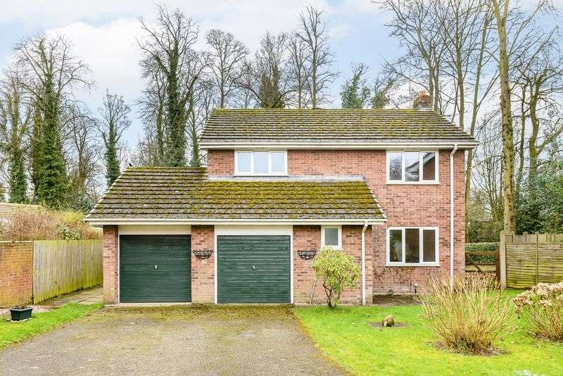 4 Bedrooms Detached House for sale in Ash Close, Tarporley