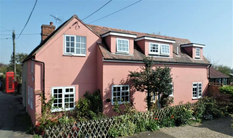 3 Bedrooms Semi Detached House for sale in Village of Tendring