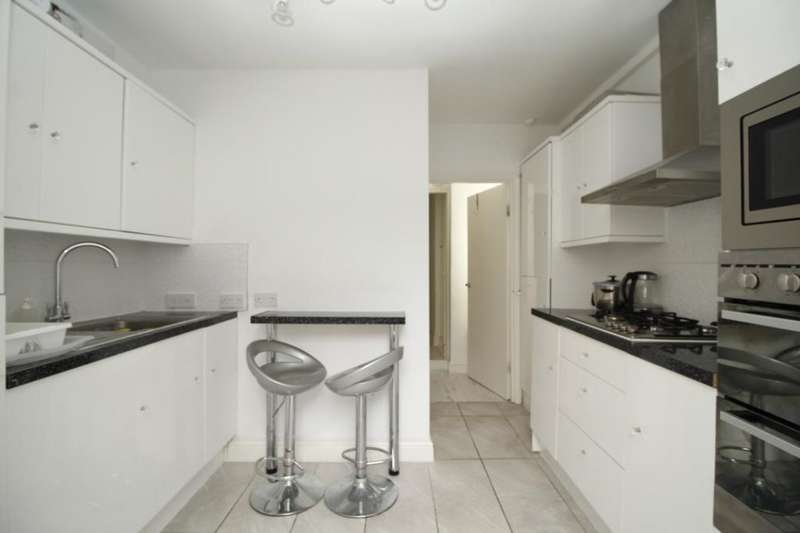 1 Bedroom Flat for sale in Chandos Road, London, E15