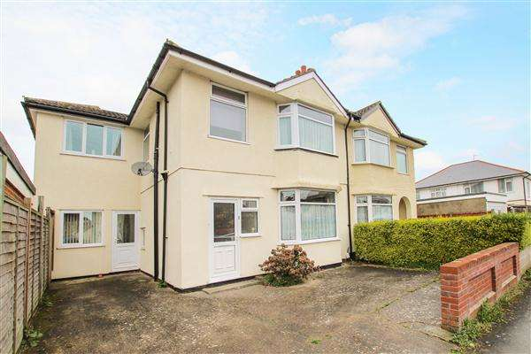 4 Bedrooms Semi Detached House for sale in Elizabeth Avenue, Christchurch