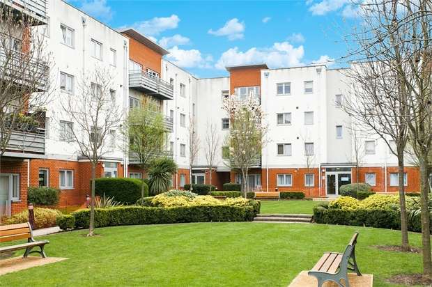 2 Bedrooms Flat for sale in Cannock Court, Hawker Place, London