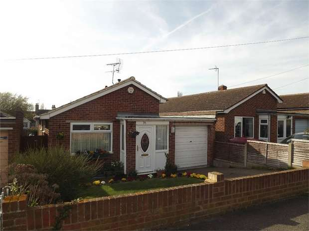 2 Bedrooms Detached Bungalow for sale in Cheyne Road, Eastchurch, Sheerness, Kent