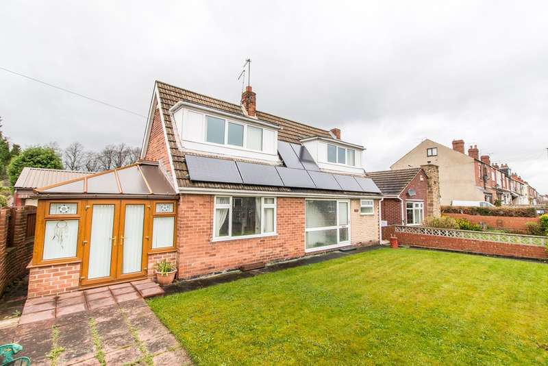 3 Bedrooms Detached Bungalow for sale in Queen Street, Swinton