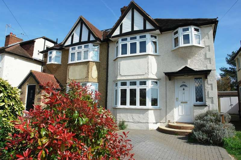 3 Bedrooms Semi Detached House for sale in Grand Avenue, Berrylands, Surbiton